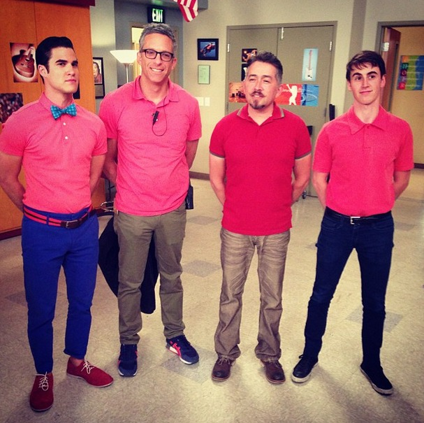 Glee Season 5: Blaine's Bright Pink Shirt and Blue Bow Tie — Hot or Not?