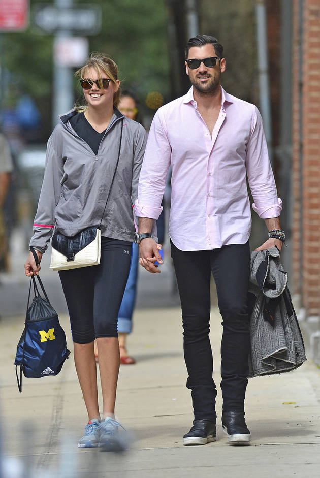 Maks Chmerkovskiy and Kate Upton Show Off PDA in NYC! Are They Officially Dating? (PHOTOS)
