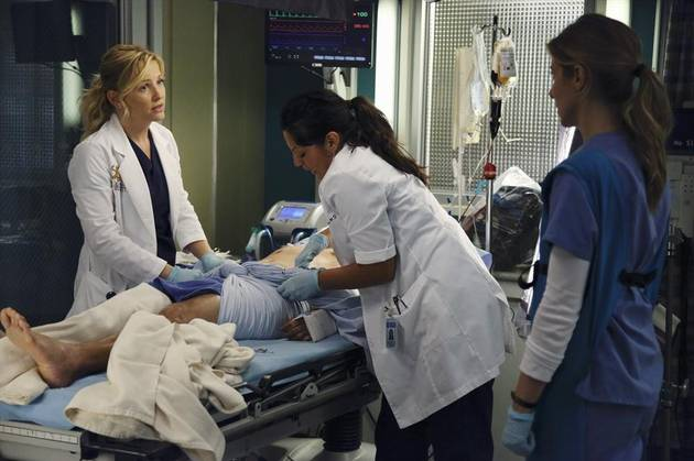 Grey's Anatomy Season 10: Do You Like the Callie and Arizona Plot?