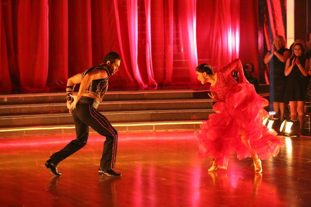 Dancing With the Stars 2013: Sneak Peek of Season 17, Week 8 — Dance Off and Cher!