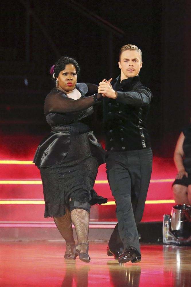Injured Amber Riley Gets High Scores For DWTS Tango! Glee Stars React