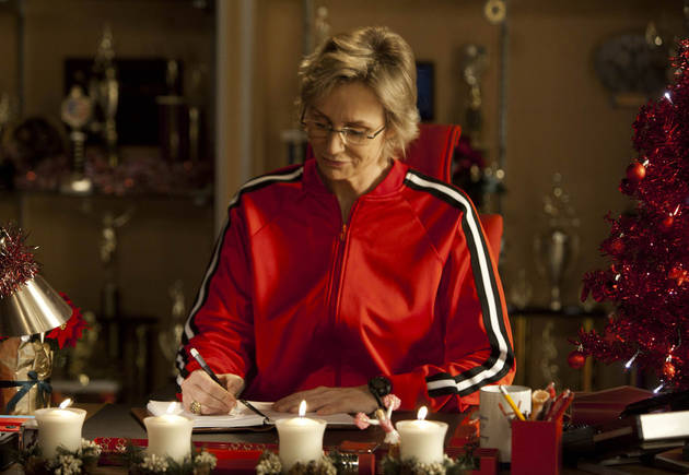 Unreleased Glee Scene: Sue Makes Fun of Whose Sex Life? (VIDEO)