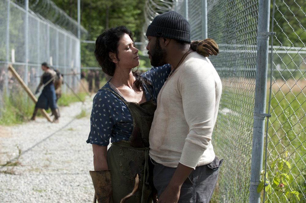 The Walking Dead Season 4 Spoilers: Were Karen and David Burned By the Same Person Feeding the Walkers?