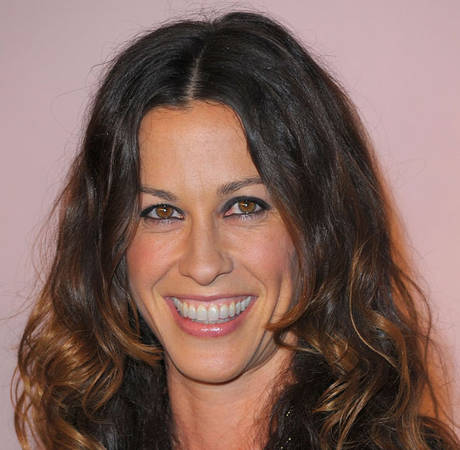 Alanis Morissette Sued By Her Former Nanny For HOW Much? (UPDATE)