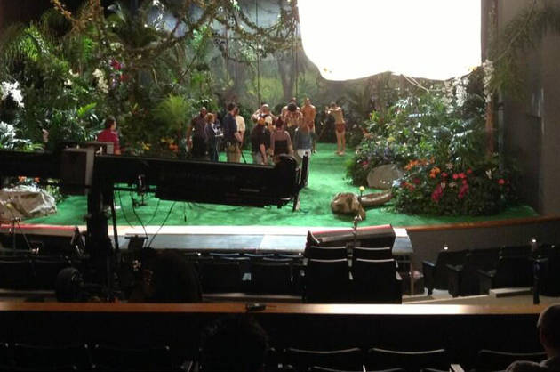 "Glee Season 5 Spoiler Photo: Jungle for Katy Perry's Song, ""Roar""!"