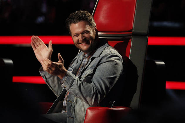"Blake Shelton Slams Westboro Baptist Church: ""B— Me!"" (VIDEO)"