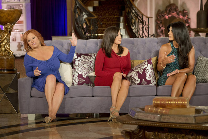"Caroline Manzo: Teresa-Melissa Fighting ""Predictable"" — So ""I'm Done!"""