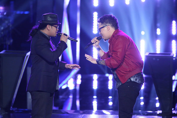 """Watch Barry Black and Preston Pohl Sing """"I Wish It Would Rain"""" on The Voice 2013 Battle Rounds (VIDEO)"""