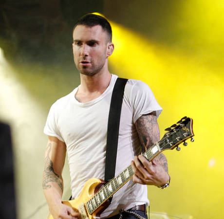 Adam Levine Grabs Dinner with His Future In-Laws!
