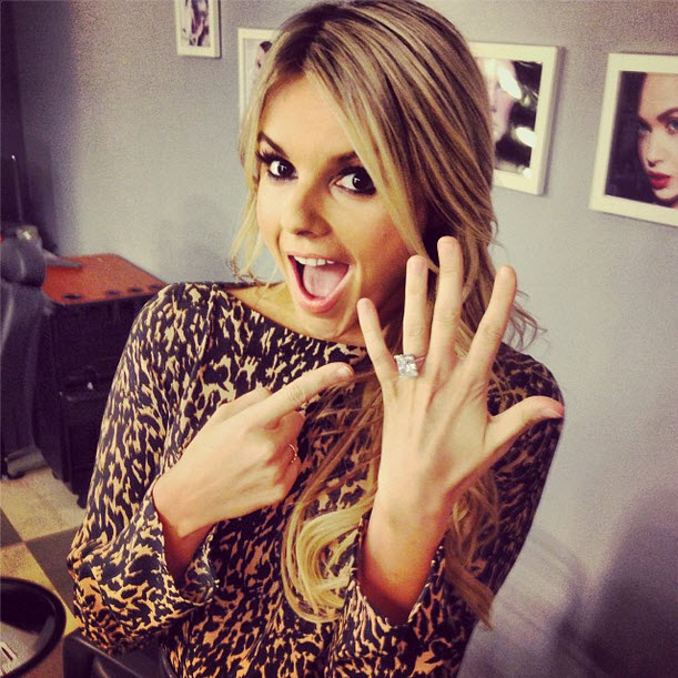 Ali Fedotowsky Flashes Giant Engagement Ring! (PHOTO)