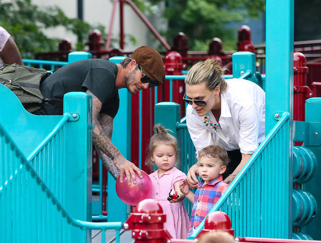 "Molly Sims on Bumping Into David Beckham at Playground: He Is ""Such a Good Dad"""
