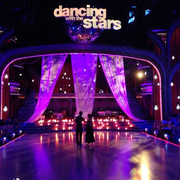 Dancing With the Stars 2013 Week 4 Recap: Julianne Hough Flirts, Men Lose Shirts, Beloved Couple Exits