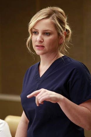 Grey's Anatomy Season 10, Episode 9: Arizona Was Pregnant, Had a Miscarriage!