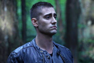 Once Upon a Time in Wonderland's Knave: 5 Reasons He's Our New Favorite Character