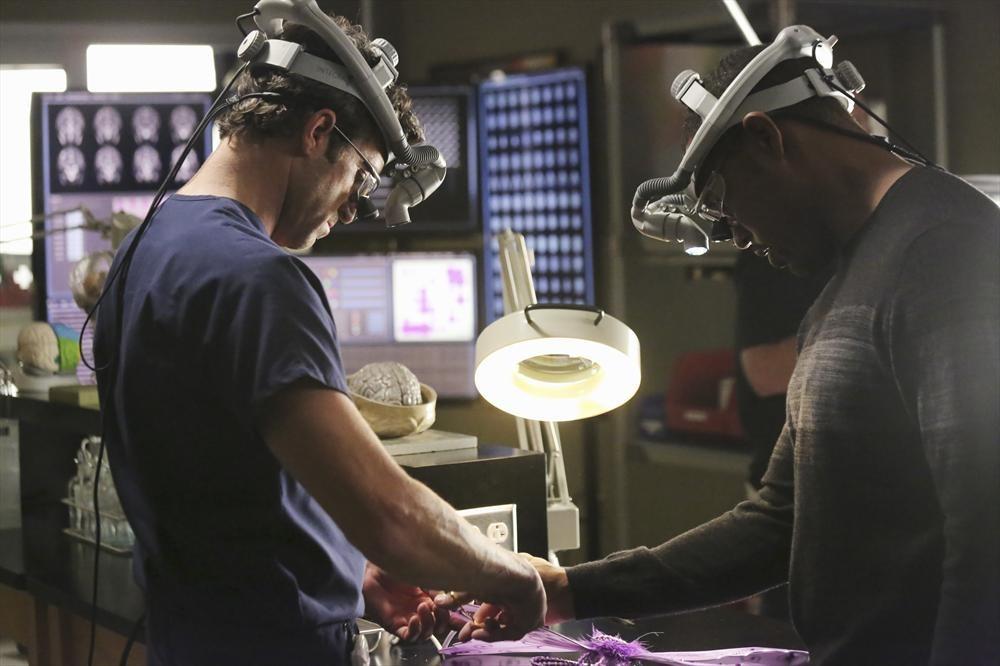 "Grey's Anatomy Recap: Season 10, Episode 7, ""Thriller"""