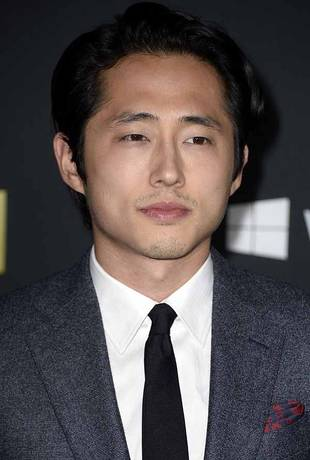 The Walking Dead Season 4: Steven Yeun Banned From Growing a Mustache! (VIDEO)