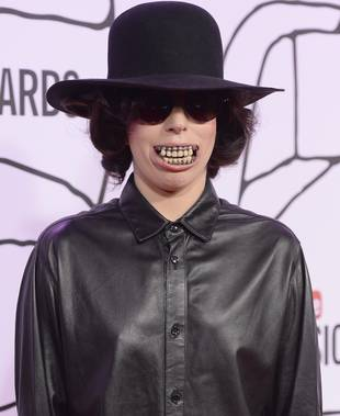 "Lady Gaga Wears Terrifying Teeth With ""Dope"" Outfit at YouTube Music Awards (PHOTO)"