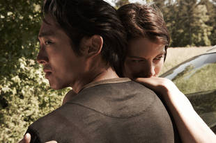 Walking Dead's Steven Yeun Says Glenn Cherishes Family: Is a Baby on the Way For Him and Maggie?