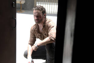 "The Walking Dead Season 4 Finale Is ""Deeper, Darker, and Grown Up"", Says Andrew Lincoln"