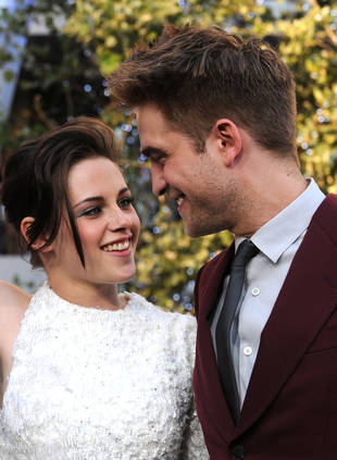 Kristen Stewart and Robert Pattinson Talking About Eloping — Report