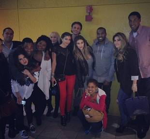 Kim Kardashian, Kanye West in Thanksgiving Group Pic With Celeb Pals (PHOTO)