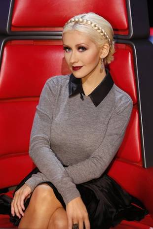 Christina Aguilera's Schoolgirl Look on The Voice Top 10 Show — Hot or Not? (PHOTO)
