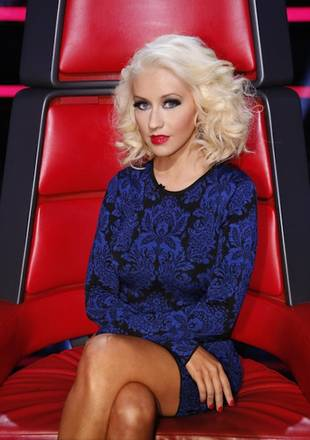 Christina Aguilera Dons Skin-Tight Black and Blue Dress on The Voice — Hot or Not? (PHOTO)