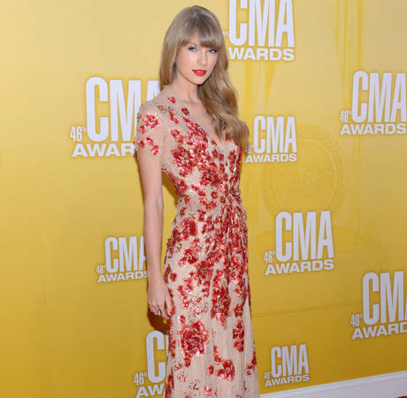 Watch the CMA Awards 2013 Online!