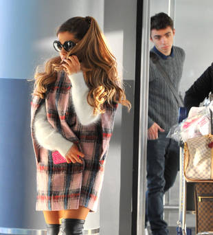 Ariana Grande Arrives in NYC With Nathan Sykes After Last Night's AMAs