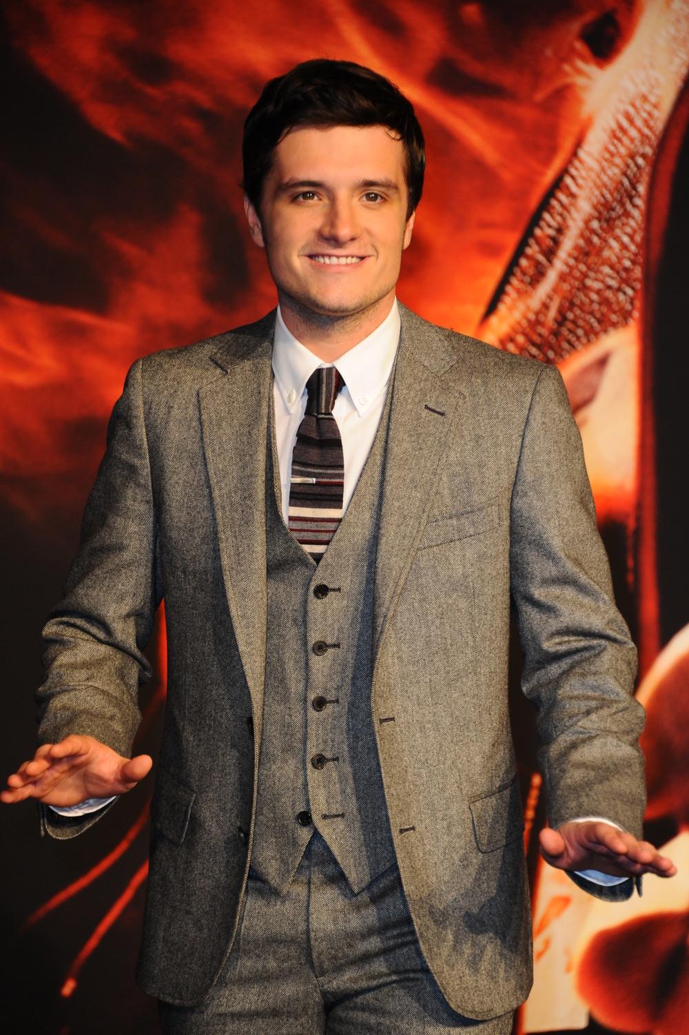 Watch Josh Hutcherson's Hunger Games-Themed SNL Monologue (VIDEO)