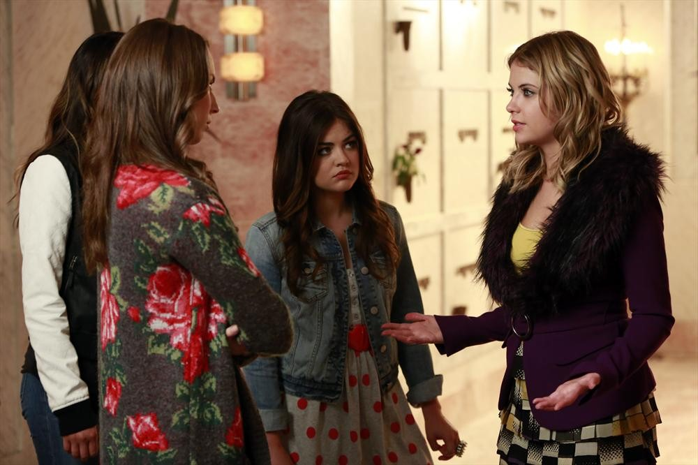 "Pretty Little Liars Season 4B Trailer — ""We Can't Let Her Come Between Us"" (VIDEO)"
