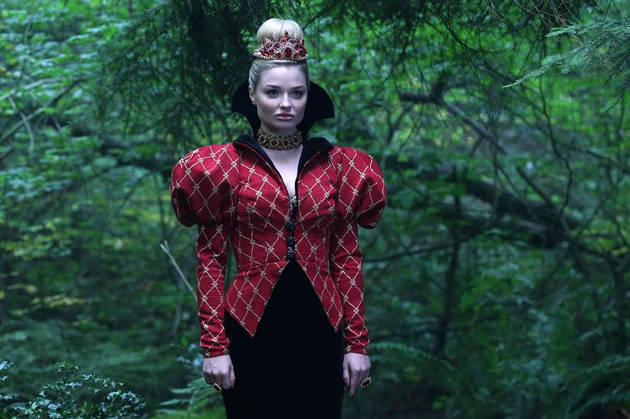 "Once Upon a Time in Wonderland: Emma Rigby on The Red Queen's ""Interesting"" Past With Alice — Exclusive"
