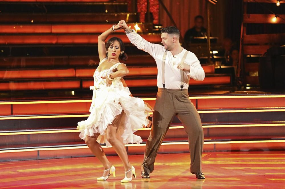 Dancing With the Stars 2013 Finale: Jack Osbourne and Cheryl Burke's Paso-Salsa Fusion (VIDEO)