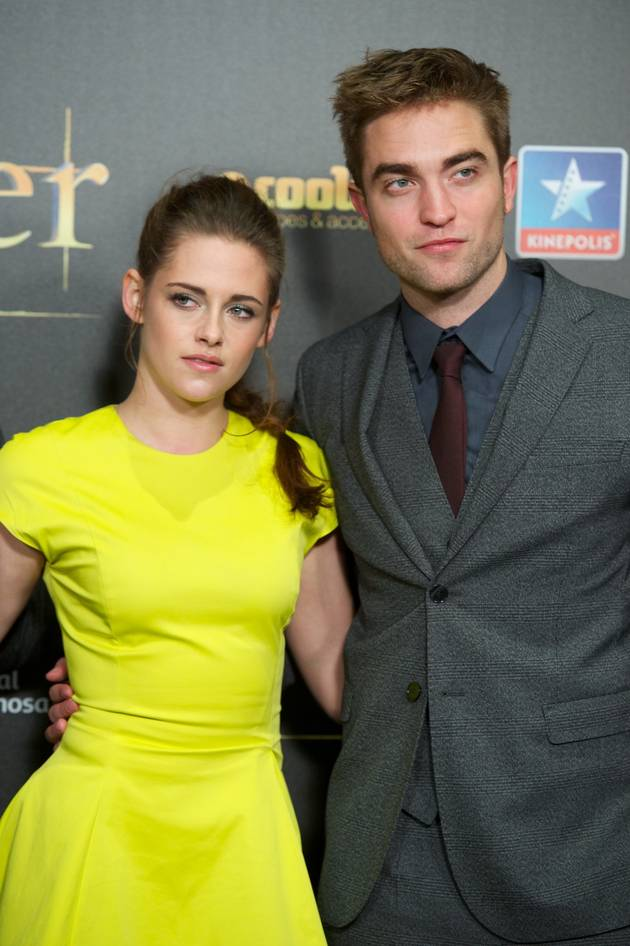 Rob Pattinson, Kristen Stewart Go on Dia De Los Muertos Date — Report