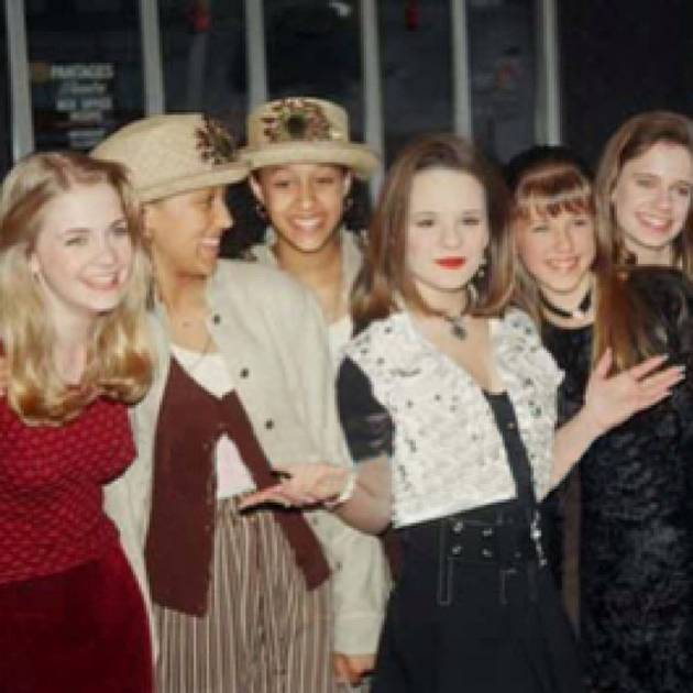 All Our Favorite '90s Teens in the Photo You'll Want to See! (PHOTO)