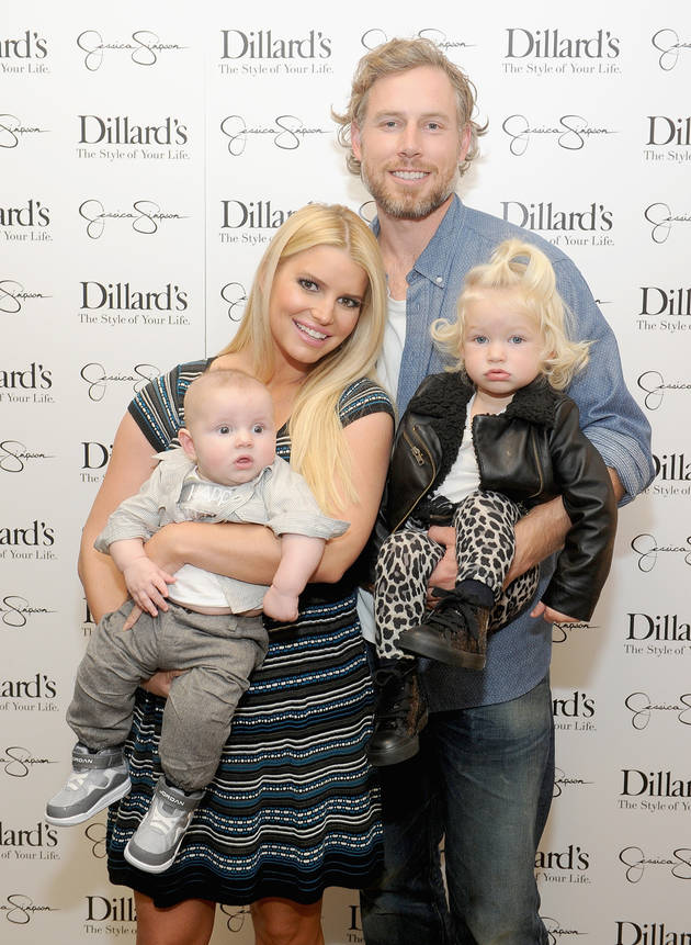 Jessica Simpson's Adorable Family Photo: Maxwell and Ace, 18 and 5 Months!