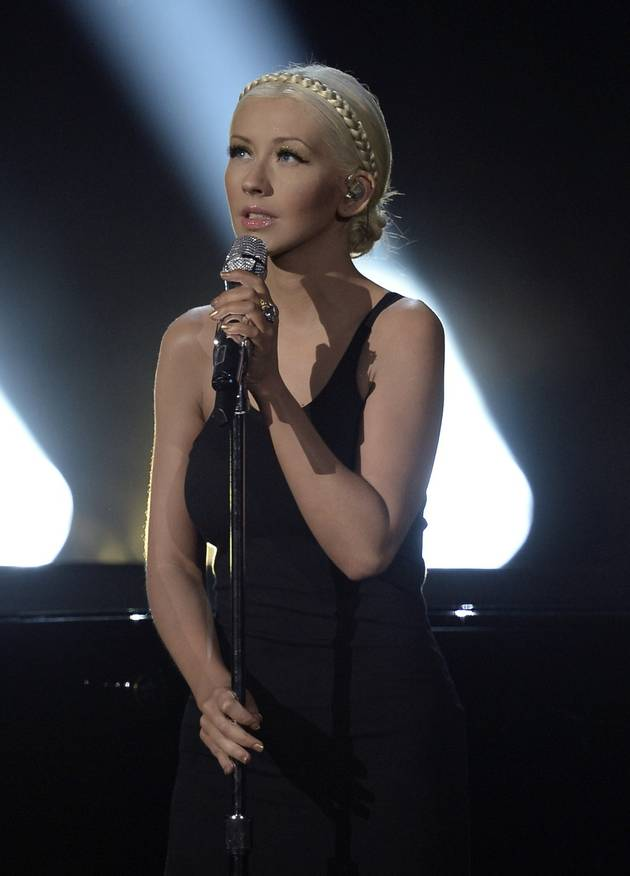 "Christina Aguilera's 2013 AMA Performance Shoots ""Say Something"" to No. 1"