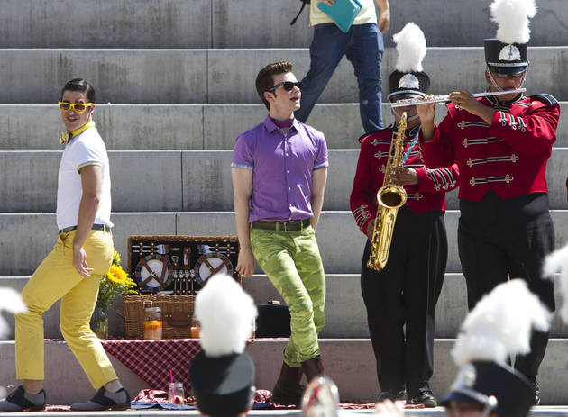 """Glee First Listen: Kurt and Blaine's Romantic """"Just The Way You Are"""" Duet"""