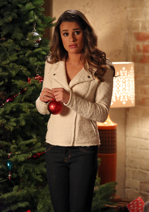 Glee Spoiler Video: First Look at the Christmas Episode