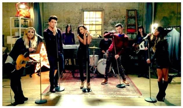 Glee Season 5 Spoilers: Someone Is Getting a Tattoo! — UPDATE
