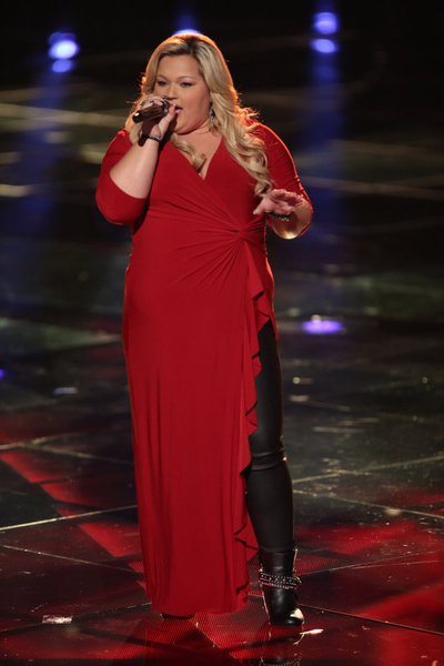 Watch Shelbie Z. Sing on The Voice 2013 Live Shows, Nov. 4, 2013 (VIDEO)