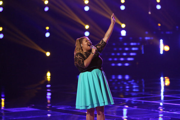 Watch Stephanie Anne Johnson Sing on The Voice 2013 Live Shows, Nov. 5, 2013 (VIDEO)