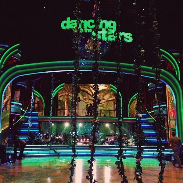 Dancing With the Stars 2013: Watch All the Season 17, Week 9 Performances (VIDEOS)