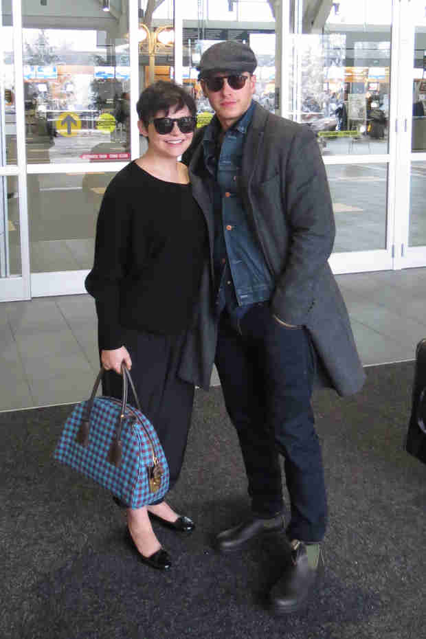 Ginnifer Goodwin Shows Off Baby Bump While Traveling With Fiancé Josh Dallas (PHOTOS)