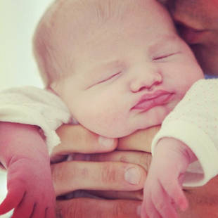 "Tammin Sursok Talks ""Mommy Problems,"" Shows Off Baby Phoenix (PHOTO)"