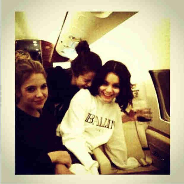 """Selena Gomez Posts Flashback Cuddle Photo: I """"Miss This""""!"""