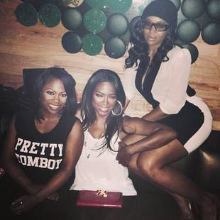 "Kenya Moore Defends Her Criticism of Kandi Burruss' Weight: ""She's Built Like a Brick House"" (VIDEO)"