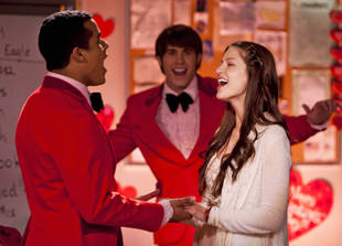 Glee Spoilers: Does Real-Life Engagement Mean Characters Start Dating, Too?