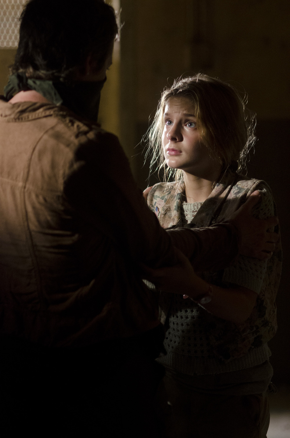 "The Walking Dead Season 4: Lizzie Shooting Alisha Is Part of a ""Greater Story"" Involving Carol"