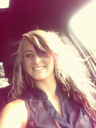 Leah Messer Returns to Work at Tanning Salon